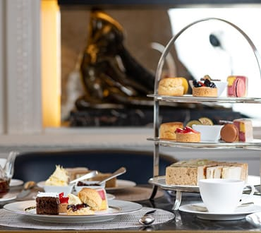 27 Restaurant and bar afternoon tea